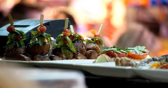 Volgens het eetblad Lekker staan er drie Friese restaurants in de Top 100 beste restaurants van Nederland.