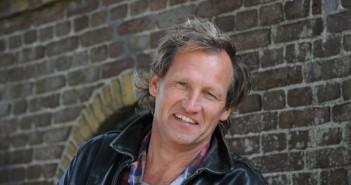 Regisseur Steven de Jong, onder meer bekend van films als De Schippers van de Kameleon, De Scheepsjongens van Bontekoe en De Hel van 63, gaat een film maken in Iran.