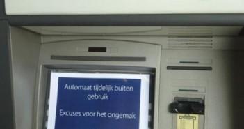 De pinautomaten van de Rabobank raken in rap tempo leeg in onze provincie. Bij steeds meer pinautomaten kan niet meer worden gepind.