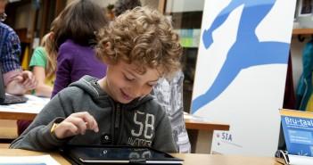 Friese basisscholen, met name van het platteland, kampen al enkele jaren met teruglopende leerlingenaantallen.
