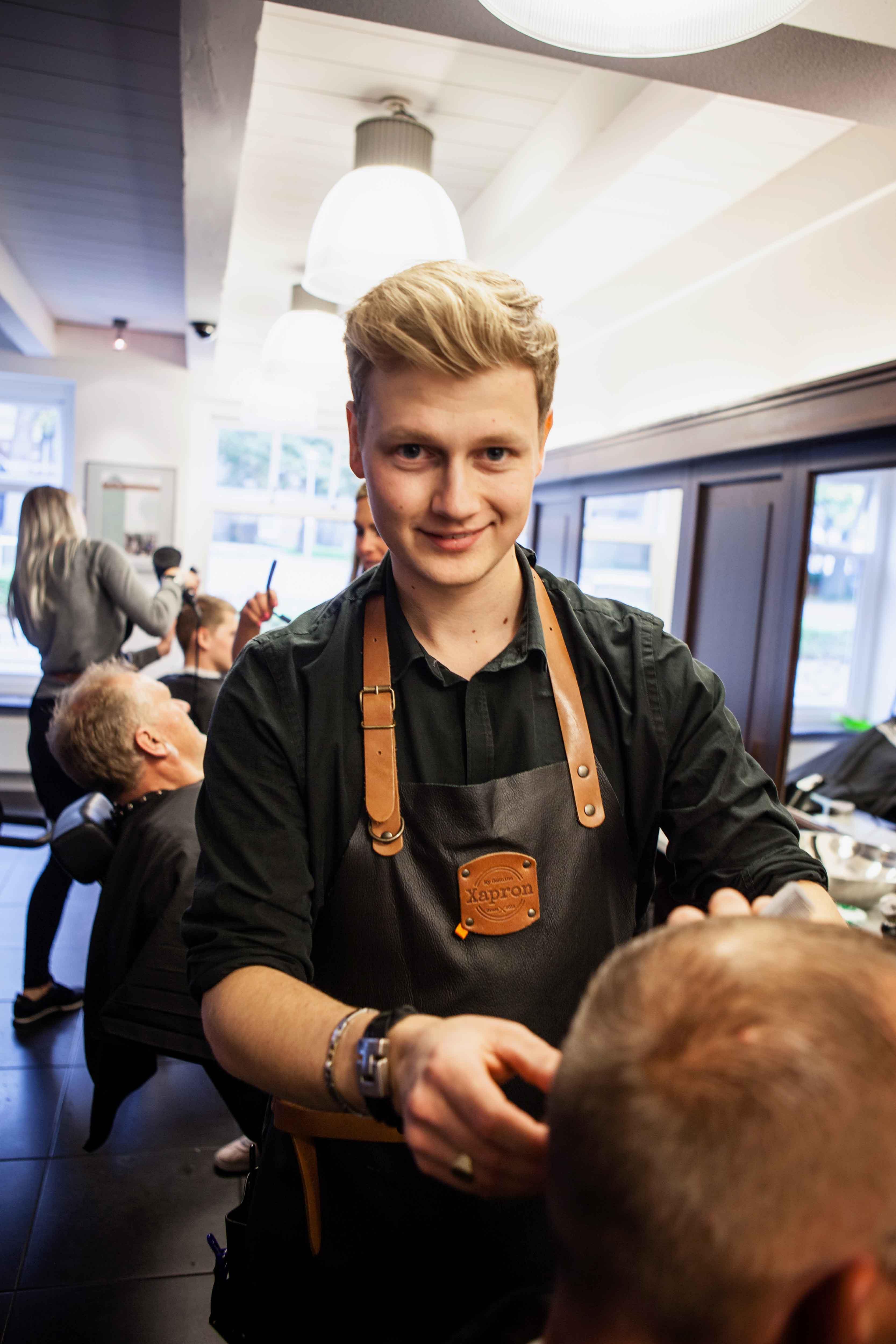 Vier Friese barbiers