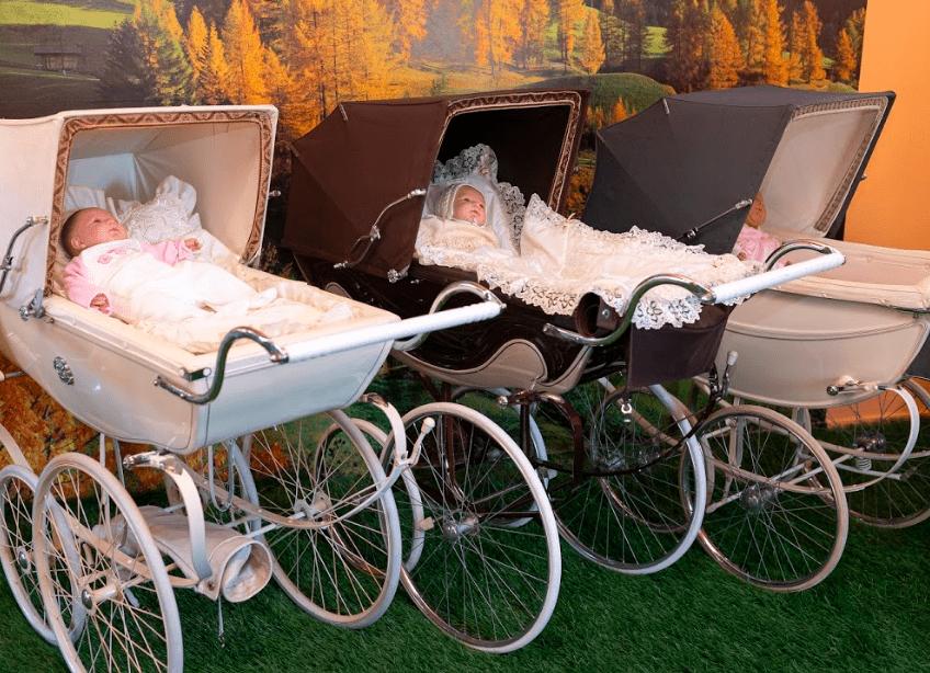 Engelse kinderwagens in Pingjum